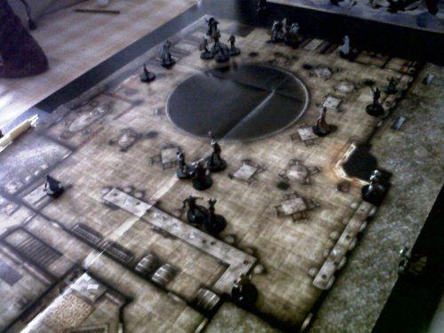 """""""El Portal Bostezante"""", nótese el gran pozo negro que da entrada a Bajomontaña."""