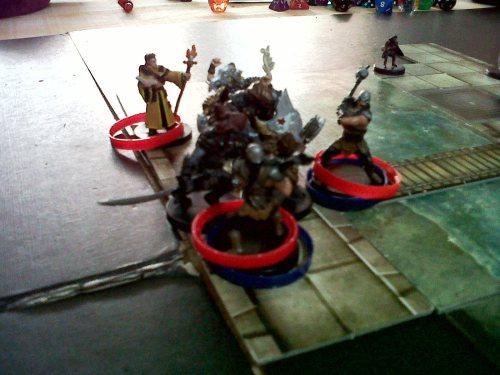 Enemigos marcados y heridos bailando el hula hop. No preguntéis.